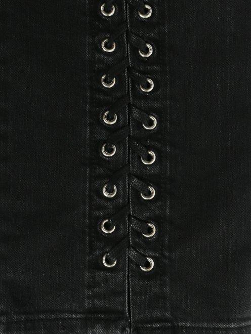Джинсы из темного денима с декором - Деталь2