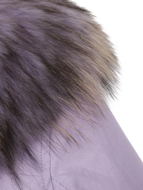 Пуховик с капюшоном с натуральным мехом  - Деталь1
