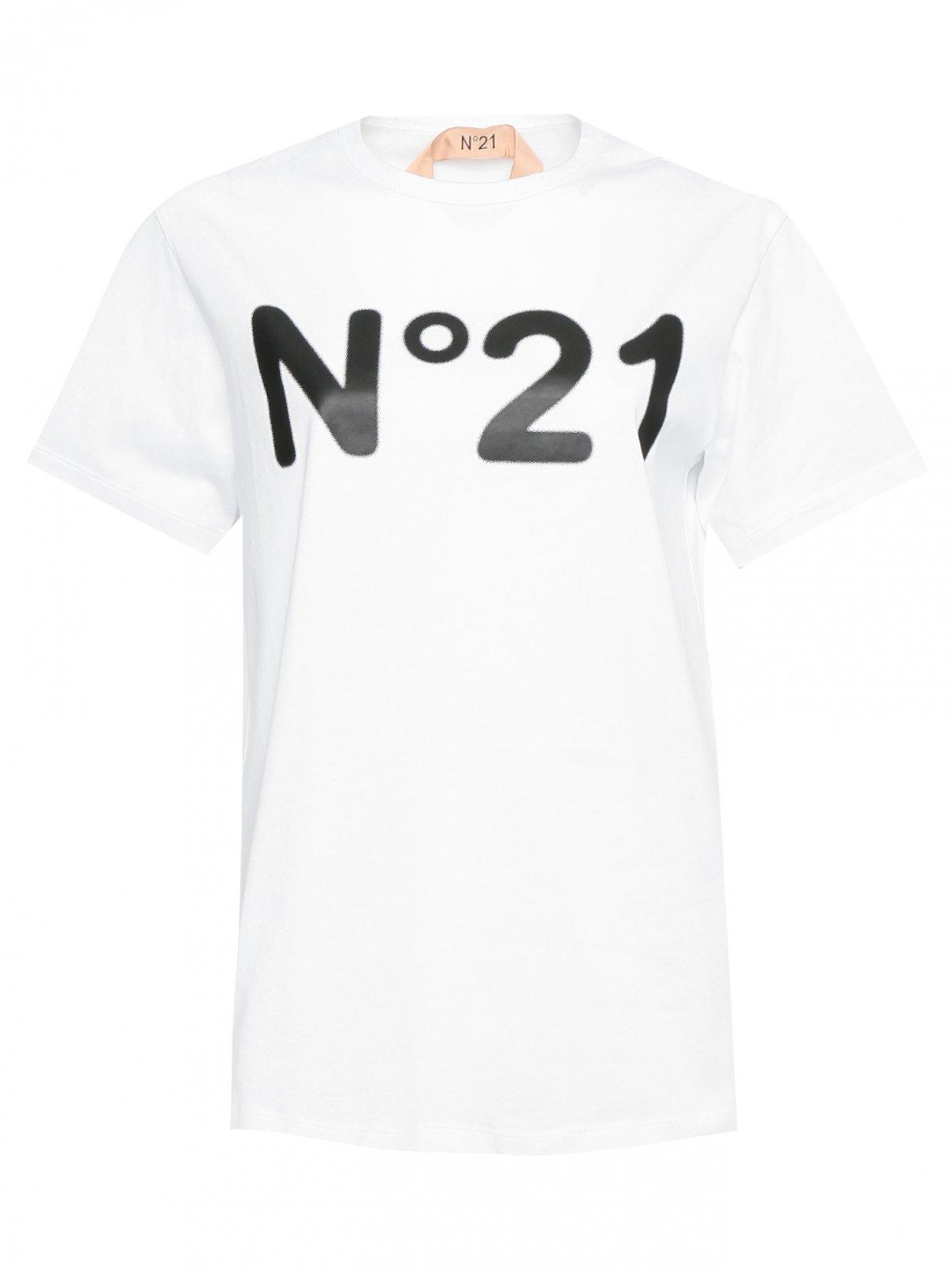 Футболка однотонная с логотипом N21  –  Общий вид